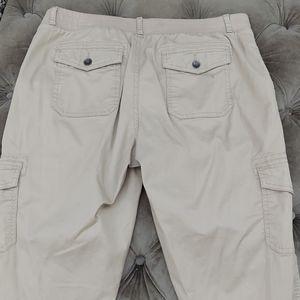 Sonoma women's pants, size 8, beige color
